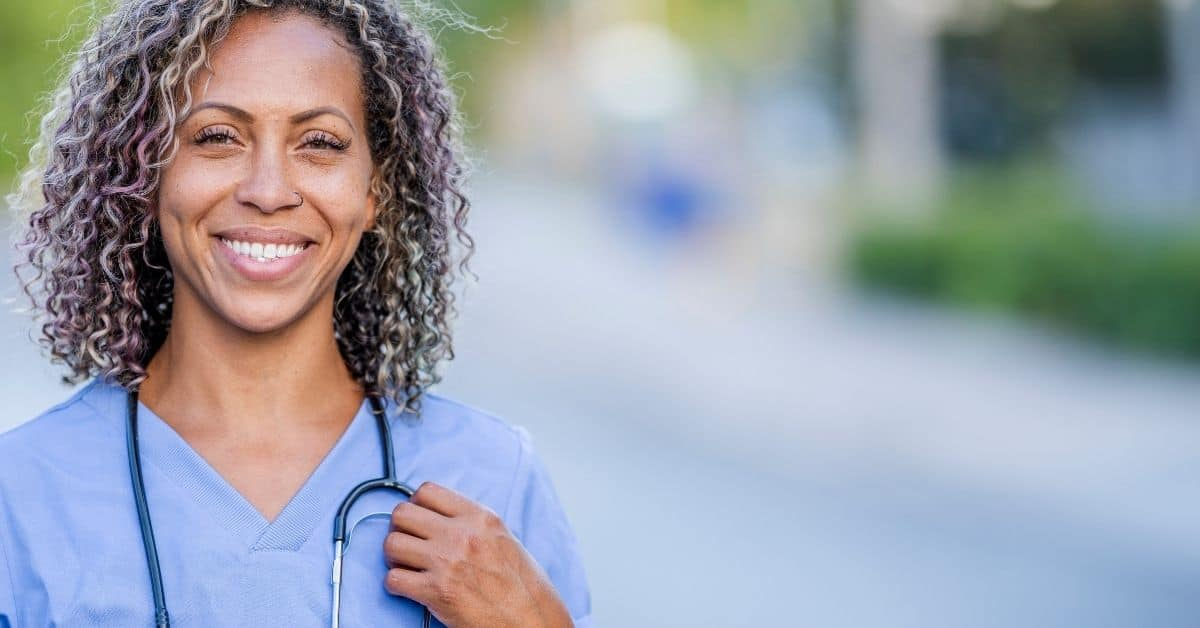 How to Find Travel Nurse Jobs with Pay Listed